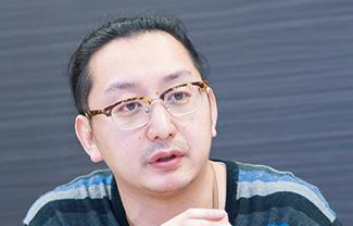 塚越 裕太 氏